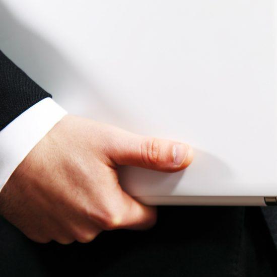 lektorské dovednosti - notebook v ruce